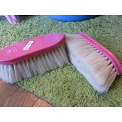 Brosse douce poils longs manche bois rose Candy Waldhausen