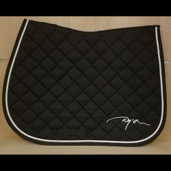 Tapis Dy'on Noir taille cheval
